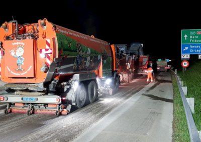 Balayage Camion service voie rapide Suisse de nuit autour de Bern et Fribourg